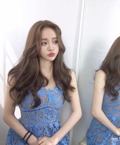 Hair cuts inspiration pictures 42 ideas - New Hair Cut Korean Long Hair, Korean Hair Color, Hair Korean Style, Korean Haircut Long, Korean Hairstyle Long, Korean Curls, Korean Perm, Ulzzang Hair, Asian Haircut