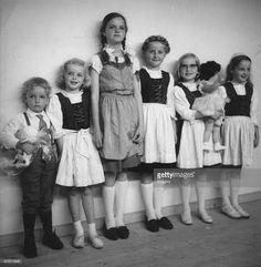 Andrea, Monika, Michaela, Gabriela, Walburga and Karl (children of Otto)