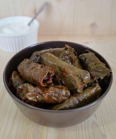 Sarmale keto în foi de viță Romanian Food, Gluten, Keto, Ethnic Recipes, Dish
