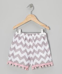 Trimmed with delightful pom-poms that dance along with little legs, these shorts offer everything that gals need to take on the day with a smile: a punchy print, roomy cut, comfy cotton fabric and an elastic waistband to keep them snug. 100% cotton exclusive of decorationMachine wash; tumble dryMade in the USA<...