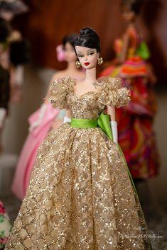 Barbie Gowns, Doll Clothes Barbie, Dress Up Dolls, Glamour Dolls, Barbie Dream, Barbie Collection, Ball Gown Dresses, Barbie World, Barbie Friends