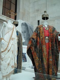 Costumes from the movie 'Troy' - looooooove this one worn by Helen when she first arrives from Sparta