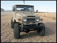 1970 Toyota FJ-40 pocos somos los que tenemos el privilegio de conducir este monstruo