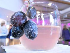 Delightful Sugar Plum Fairy Punch! Alcoholic and non-alcoholic recipes included so everyone can enjoy!