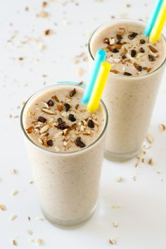 Eating fruit and healthy fats is really important and this banana coconut smoothie is a great way to incorporate them into your diet. Yummy Smoothie Recipes, Vegan Smoothies, Yummy Smoothies, Milk Recipes, Raw Food Recipes, Vitamix Recipes, Healthy Recipes, Coconut Smoothie, Banana Coconut