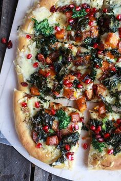 Caramelized Butternut, Crispy Kale + Fontina Pizza with Pomegranate - Half Baked Harvest Pizza Recipes, Vegetarian Recipes, Cooking Recipes, Quick Recipes, Kale Pizza, Squash Pizza, Good Food, Yummy Food, Think Food