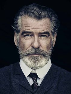 Portrait Photography Inspiration Picture Description Pierce Brosnan Jokes His Wife Is 'Very Fond' of the Beard He Grew for 'The Son'. Men's Healthy Beards And Mustaches, Moustaches, Grey Beards, Foto Face, Foto Glamour, Beard No Mustache, Beard Care, Beard Growth, Hair And Beard Styles