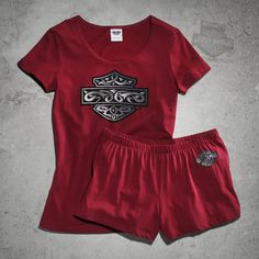 This two-piece soft Sleep Tee & Short Set features coordinating sleep and lounge wear. You just found the perfect gift for the lady enthusiast who lives and breathes for the road. It's ready for giving with the attached To/From gift tag. Womens Motorcycle Fashion, Motorcycle Style, Motorcycle Outfit, Biker Style, Motorcycle Clothes, Bike Fashion, Harley Davidson Jewelry, Harley Davidson Merchandise, Harley Davidson T Shirts