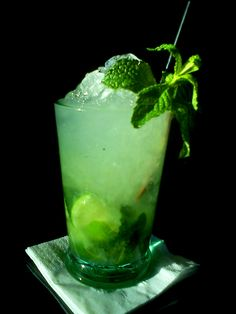 Patty's Day Green Cocktail: The Skinny Mojito - Fit, Strong and Sexy