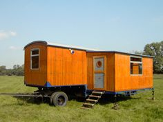 Bauwagen mit Runddach - Wir sind spezialisiert auf das Bauen, Planen und Renovieren von Bauwagen aller Art - Zirkuswagen Manufraktur Leipzig