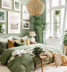 Sage Green Bedroom, Green Rooms, Room Ideas Bedroom, Home Decor Bedroom, Green Bedroom Decor, Green Bedroom Walls, Gallery Wall Bedroom, Green Home Decor, Green Bedroom Design