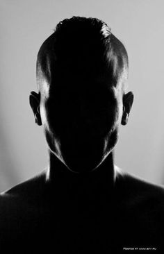 Shape Photography by Quentin Arnaud It shows positive and negative space due to the silohoutte Shape Photography, Portrait Photography Men, Minimal Photography, Dark Photography, Creative Photography, Black And White Photography, Negative Space Photography, Chiaroscuro Photography, Photography Tools