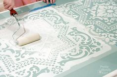 Hometalk :: Dumpster Table Gets a Stencil and Chalk Paint Makeover