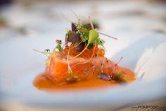 Delicioso salmón en dos cocciones, un plato de Julio Garmendia, Chef en Zelebri.com/chef/julio-garmendia