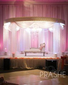 Gorgeous and elegant wedding stage!