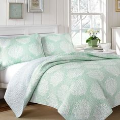 Laura Ashley Coral Coast Mist Reversible 3-piece Cotton Quilt Set - Overstock™ Shopping - Great Deals on Laura Ashley Quilts