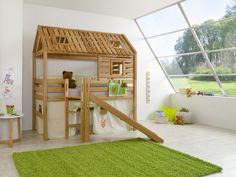Drewniany domek dla dzieci - łóżko
