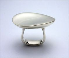 Vivianna Torun Bülow-Hübe - Serenity ring for Georg Jensen.