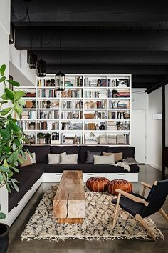 NW 13th Avenue Loft by Jessica Helgerson Interior Design