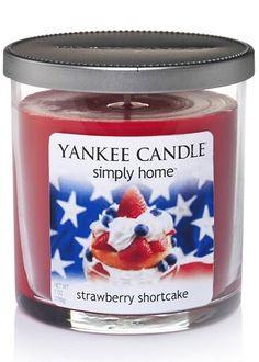 Americana Tri-Tone 12-oz. Jar Candle