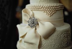 wedding cake with brooch