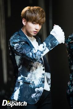"""[Interview/Trans] [STARCAST] """"Tempted by this boy""""…5 shadows of 'BTS' [161011]"""