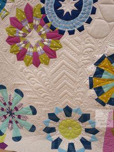 Rose City Quilter, longarm quilting, Bloomin' Cogwheels block patterns at shop.blocloc.com