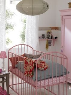 Lovely Vintage pink iron cot!