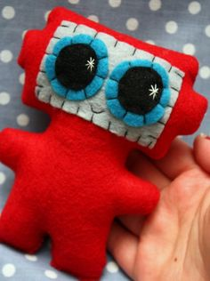 Robot Plush // Why yes, I will steal your idea to make my own goods and mayhap some for my friends!