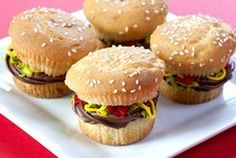 """juicy lucy"" burger cupcakes."