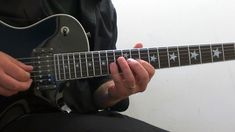 Acoustic Guitar Lessons, Guitar Tips, Guitar Art, Guitar Songs, Guitar Chords, Guthrie Govan, Paul Gilbert, Guitar Patterns, Nuno Bettencourt