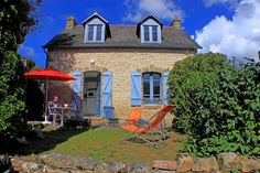 in La Trinité-sur-Mer, France. Typical Stone country house with a living room open on the kitchen, a small bathroom and 2 «en-suite» bedrooms. Open on a terrasse. The house is perfect for crew as it is 5 min walk to the harbour.  Typical Stone country house with a living room o...