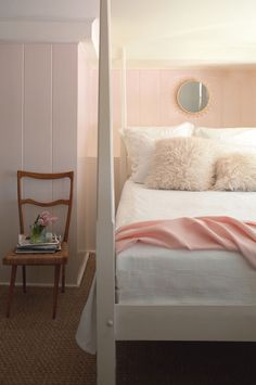 Living Room Paint Color Ideas Peach Benjamin Moore 28 New Ideas Relaxing Bedroom Colors, Best Bedroom Paint Colors, Pink Paint Colors, Paint Colors For Living Room, Bedroom Colours, Soft Colors, Pink Color, Bedroom Wall, Bedroom Decor