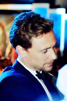 wow check out that lighting!...or is it just Tom's natural glow?