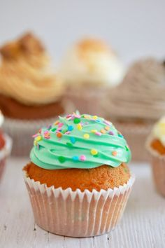 Inspired Photo of Birthday Cake Cupcakes . Birthday Cake Cupcakes Crazy Cupcakes One Easy Recipe With Endless Flavor Variations How Easy Cupcake Recipes, Frosting Recipes, Dessert Recipes, Cupcake Ideas, Recipes Dinner, Easy Desserts, Birthday Cake With Photo, Cupcake Birthday Cake, How To Make Cupcakes