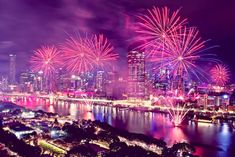 Brisbane's biggest fireworks display is returning to South Bank! On Saturday 28 September, Sunsuper Riverfire will ignite the evening sky with a brilliant explosion of colour. Big Fireworks, Night Bar, Brisbane City, Great Days Out, One Fish, Evening Sky, Hot Days, After Dark