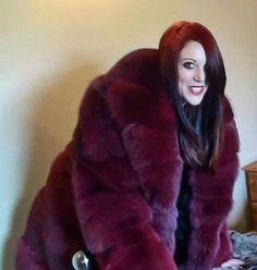 Fox Fur Jacket, Fox Fur Coat, Red Fur, Fur Clothing, Fur Fashion, Mantel, Mink Coats, Derp, Mistress