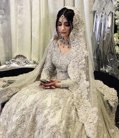 Asian Bridal Dresses, Simple Pakistani Dresses, Asian Wedding Dress, Indian Bridal Outfits, Pakistani Wedding Outfits, Indian Bridal Fashion, Pakistani Wedding Dresses, Indian Designer Outfits, Indian Dresses