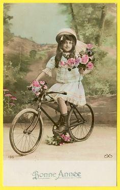 CPA Fantaisie Jeune Fille À Vélo Little Girl Bike Bicyclette