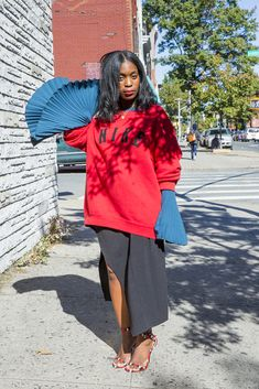 Rajni Jacques shows us how to style a bell sleeve top five different ways that will produce five different emotions like joy, glee, wonder, etc.