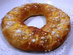 Rosca de Pascuas rellena de crema pastelera