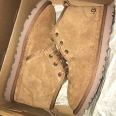 Shop Women's UGG Tan size 6 Winter & Rain Boots at a discounted price at Poshmark. Description: Brown uggs , brand new . Cute Shoes Heels, Pretty Shoes, Ugg Shoes, Shoes Sneakers, Shearling Boots, Leather Boots, Brown Uggs, Timberland Boots Outfit, Timberland Waterproof Boots