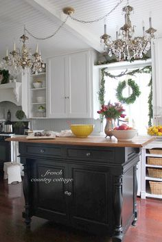 Trendy Home Decoration Country Cottage Christmas 62 Ideas French Country Kitchens, French Country Farmhouse, French Country Style, French Country Decorating, French Cottage, Cottage Decorating, Kitchen Country, Cottage Art, French Chic