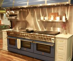 Luxury Kitchen Magnificent kitchen with golden and blue contrast. instead of silver use golden/copper color . Home Decor Kitchen, New Kitchen, Kitchen Ideas, Kitchen Stove, Awesome Kitchen, Kitchen Inspiration, Luxury Kitchens, Home Kitchens, Tuscan Kitchens