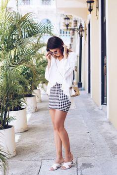 Streetstyle: gingham miniskirt with white volantblouse