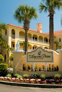 St. Simons. Love to stay at this hotel.
