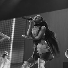 """Ariana Grande Is About To Have A """"Heatstroke"""" Courtesy Of Calvin Harris - http://oceanup.com/2017/03/29/ariana-grande-is-about-to-have-a-heatstroke-courtesy-of-calvin-harris/"""
