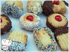 30 λεπτά Χρόνος Εκτέλεσης 60 κομμάτια Μερίδες 2 Βαθμός Δυσκολίας ΕκτύπωσηΣυνταγής ΠΤΙ ΦΟΥΡ ΣΠΙΤΙΚΑ ΜΕ ΜΑΡΜΕΛΑΔΑ!!! By Γωγώ 18 Μαΐου 2014 Υπεροχα,αρωματικα,γευστικοτατα σπιτικα πτι φουρ,γεμιστα με μαρμελαδα βερικοκο για το πρωινο και απογευματινο καφεδακι σας!!! Δοκιμαστε τα γιατι αξιζουν....!!!!! Συστατικά φυτινη - 275 γρ. (εγω εβαλα την φυτινη με βουτυρο γαλακτος) ζαχαρη - 400 γρ. …