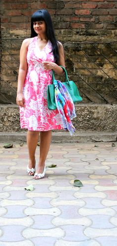 #monsoon #floralprint #fashion #style #dress #halterneck #OOTD #WhatIWore #highstreet  #fashion #blog #india #stylist #mumbai
