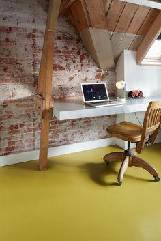 """""""Geen keuzestress met de Marmoleum Thuis Selectie""""  #Marmoleum #Yellow Moss, 3362  Fotografie door Rene Mesman  Styling Thomas Eurlings"""